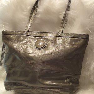 Coach Patent Leather Bag E1020-F15142